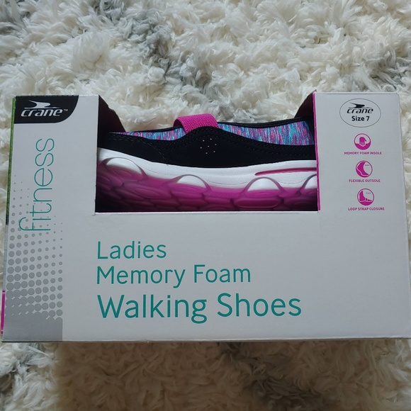 walking shoes with memory foam